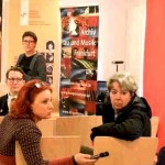 Konferenzteilnehmerinnen im Gespräch mit Musikwissenschaftlerin Eva Rieger ©Kornelija Rade