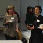 Konferenzteilnehmer_innen im Gespröch mit Dirigentin Oksana Lyniv ©Kornelija Rade